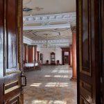 Анфілада дверей у Качанівському палаці