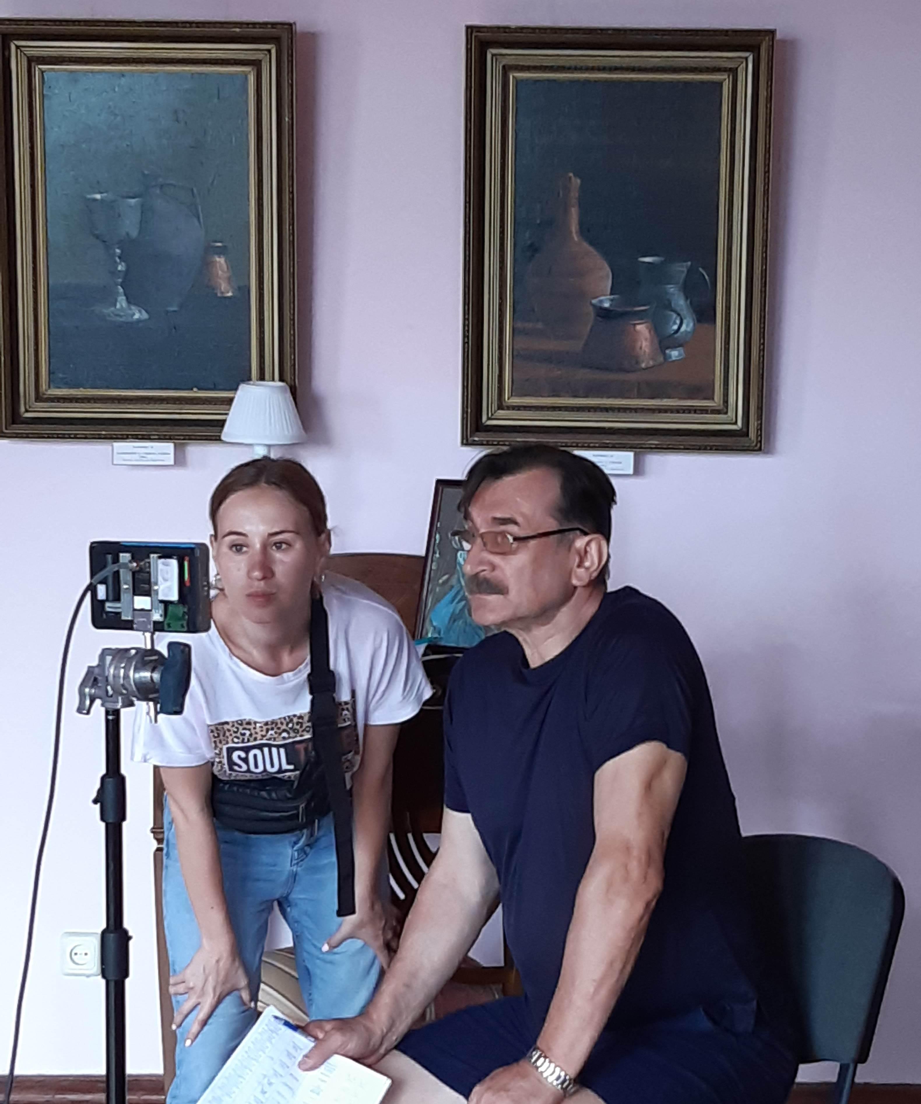 Біля монітору - Василь і ВІкторія