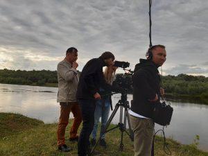 Знімальна група біля Десни